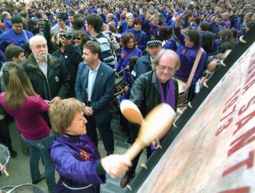 Luis Eduardo Aute Rompe la Hora como invitado de honor - Semana Santa de Calanda 2009