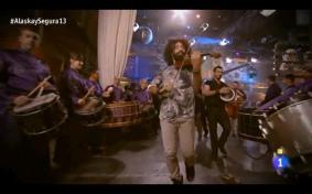 Tambores de Calanda con Ara Malikian en RTVE Alaska y Segura (Imagen del vídeo del programa)