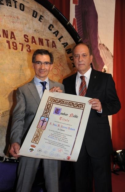Juan Herrero con el Alcalde de Calanda