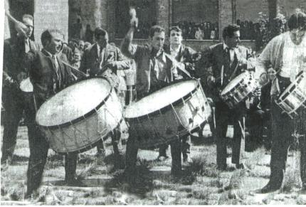 La cuadrilla de Tomás Gastón en el concurso de Tambores de Híjar año 1967
