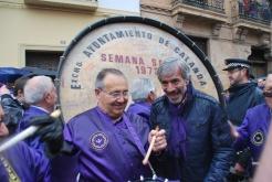 Cofrades Fundadores de la Cofradía Jesús Nazareno en el año 2012 con Imanol Arias