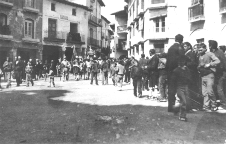 Año1920. El Sepulcro sale de la Iglesia de San Miguel