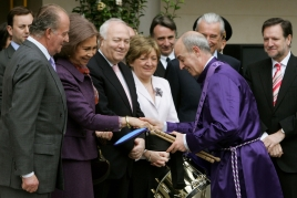 Tambores de Calanda con los Reyes en Paris 2006