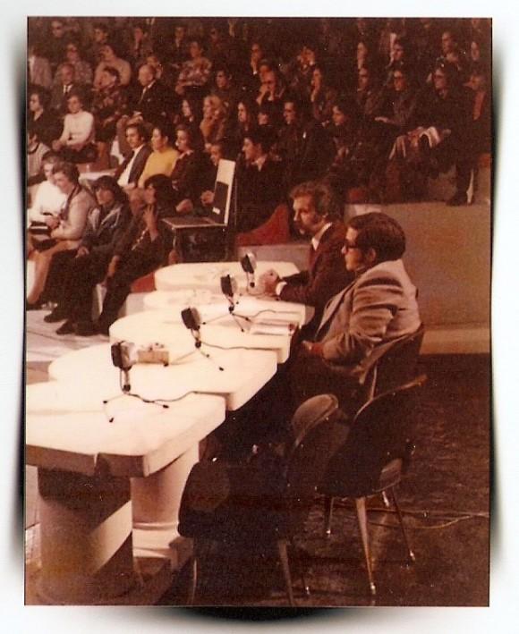 1974. José María Iñigo, entrervistndio a Paco., en el programa Directisimo-