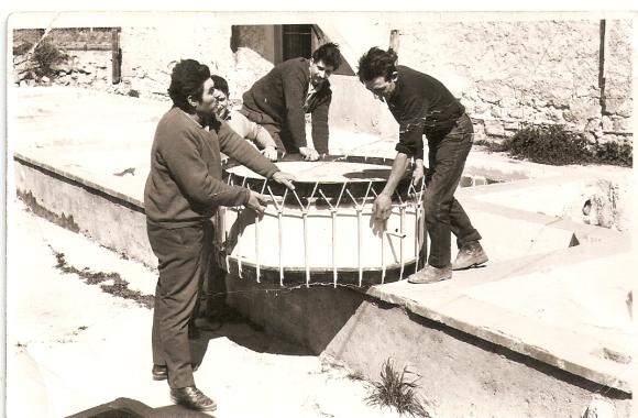 Construyendo el bombo URTAIN en la antigua Alcoholera,